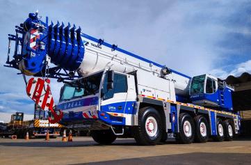 tadano atf 220g-5 mobile crane
