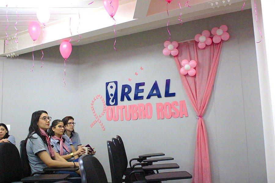 SESMT preparou decoração especial com laços, balões, flores no auditório da real guindastes