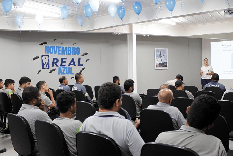 palestra novembro azul aconteceu no auditório da Real Guindastes